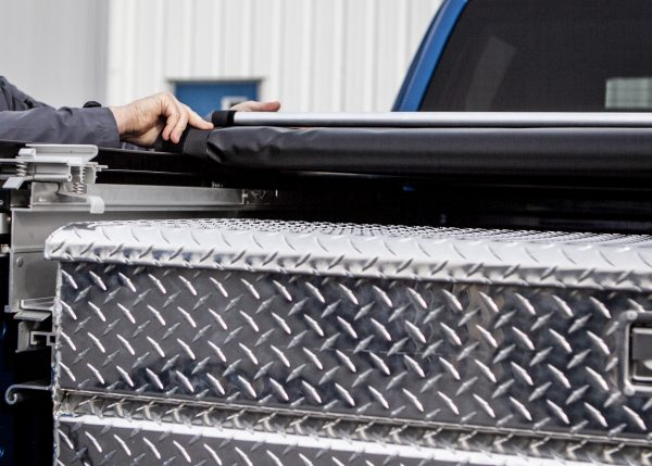 tonneau cover and extendable tool box
