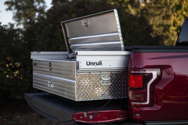 pick truck diamond plate tool box
